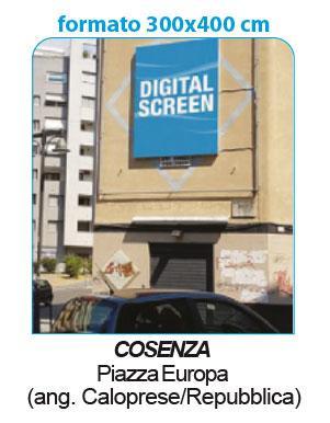 """<span  class=""""uc_style_uc_tiles_grid_image_elementor_uc_items_attribute_title"""" style=""""color:#ffffff;"""">Schermo verticale collocato in piazza centralissima di Cosenza, ad alta urbanizzazione</span>"""
